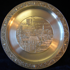 Антикварные тарелки
