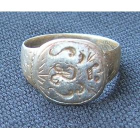 Перстень серебряный с инициалами владельца