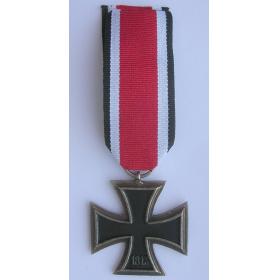 Железный крест 2 класса 1939 год, на ленте